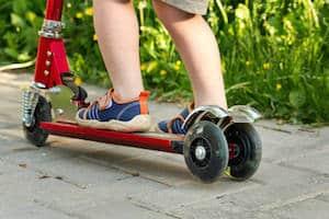 Trottinette 3 roues 2 roues arrières