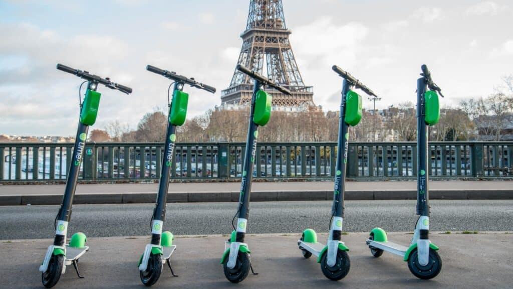 Peut-on rouler sur le trottoir avec une trottinette électrique ?